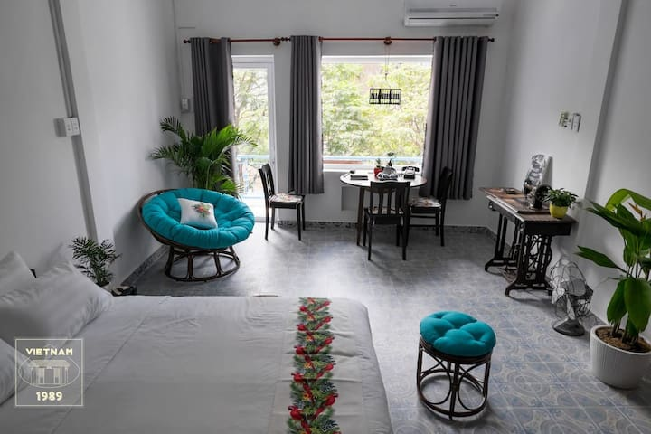 Cozy Apt@Saigon Center w/ Balcony & Enjoyable View
