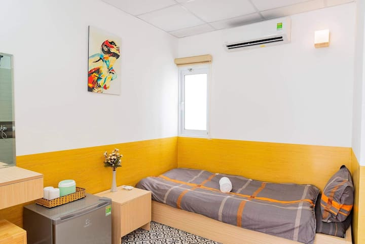 Single room with Air conditioner and Toilet F10