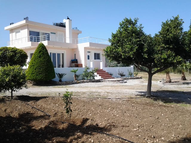 Villa Maia - Καλαβάρδα - Ev