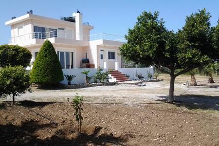 Villa Maia - Καλαβάρδα