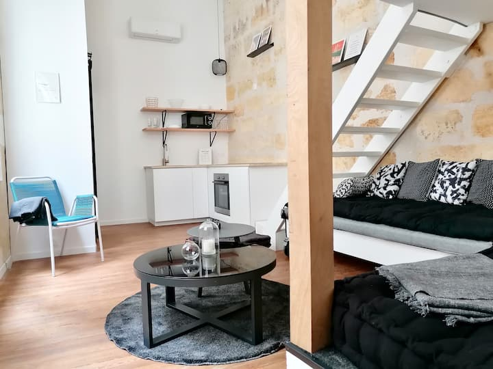 🤩 BTH Historic Loft ★ Courtyard ★ AC ★ Ipad 🤩