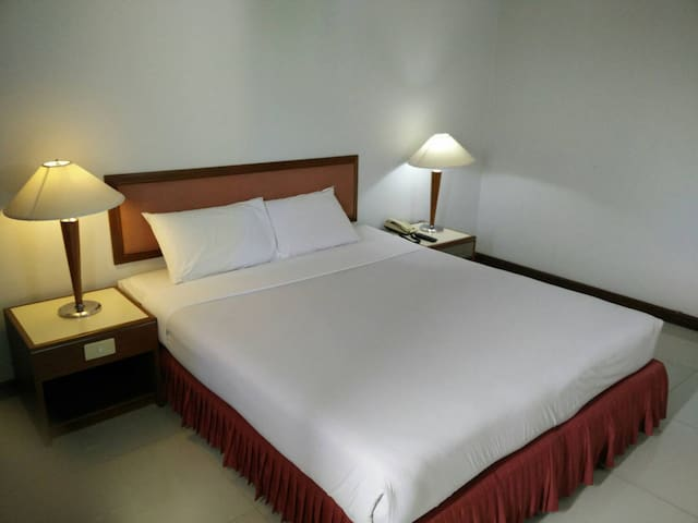 FRIDAY HOTEL - Tambon Tha It - Bed & Breakfast