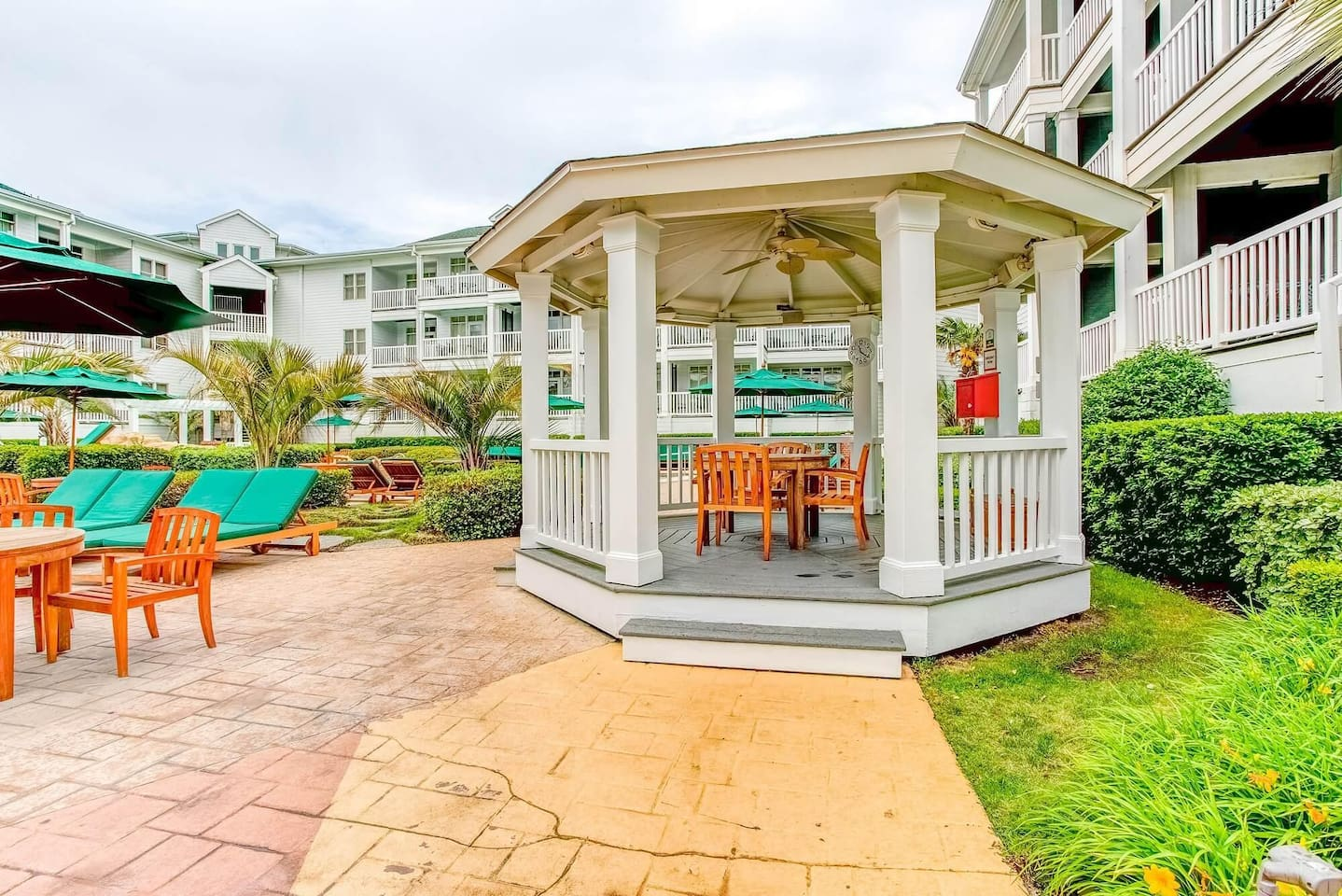 Courtyard - Gazebo - Turtle Cay.jpg