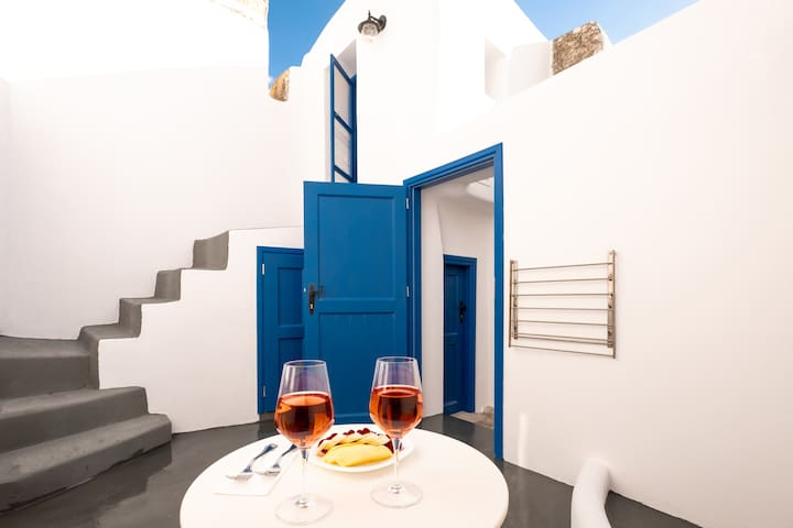 Traditional Cycladic House (Brand New)