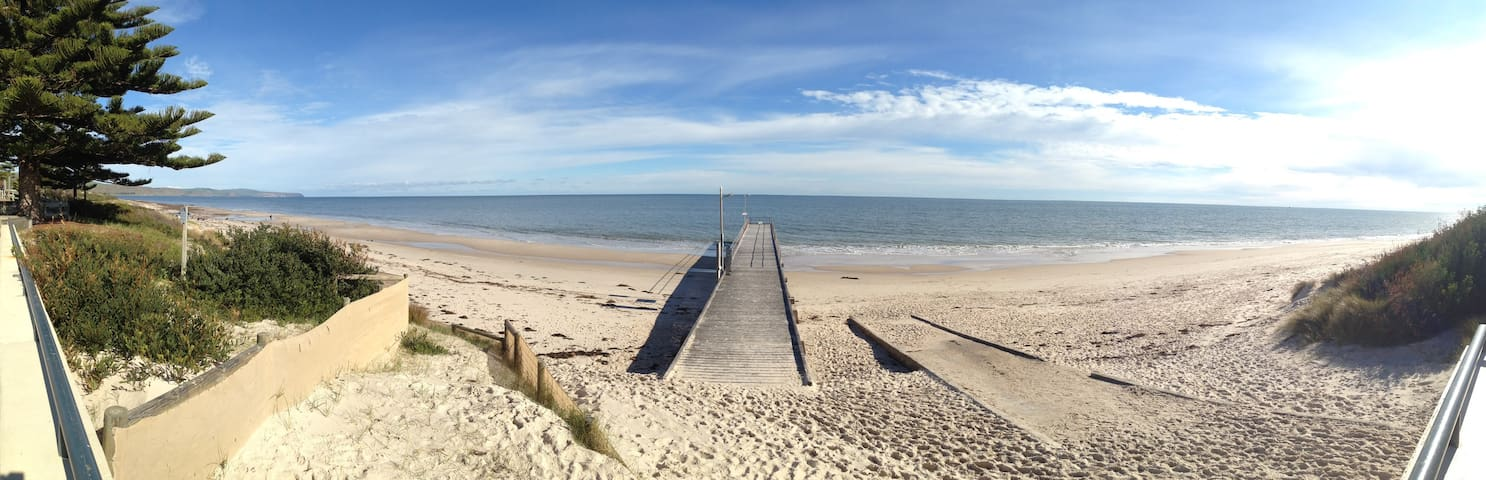Normanville Beach Holiday House 5 Bedroom