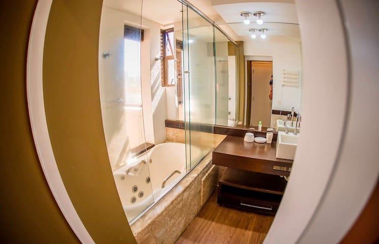 Apto Bristol Residence , jacuzzi, luxe , cKitchen