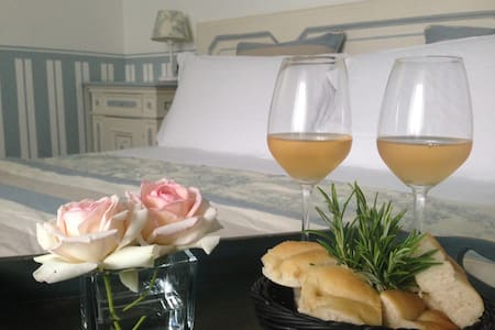 Sky bedroom with pool to Il Montesino b&b Como - Albese Con Cassano - Bed & Breakfast