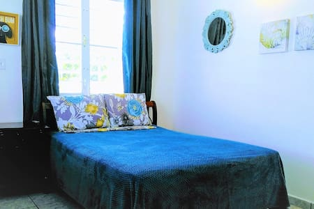 SanJuan3*PRIVATE STUDIO*A/C+Parking+WiFi+NearTrain