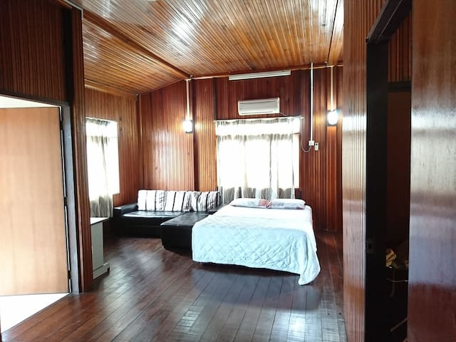Huge Roomstay