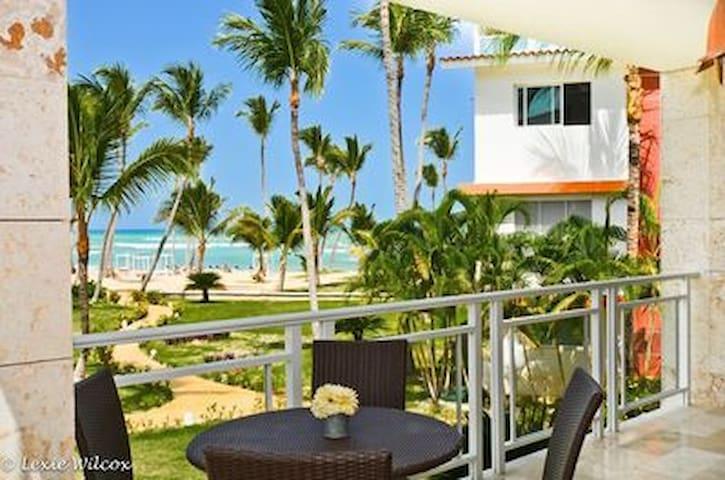 Peaceful beach oasis!!!!!!