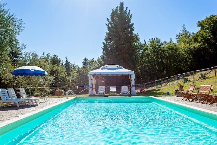 Chianti Farmhouse I Ceppi-Cosy apartment with pool