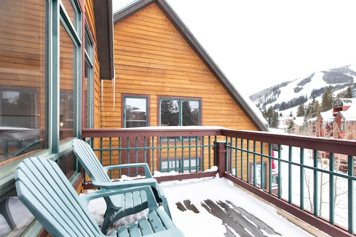 Slopeside, HOT TUB, Wlk 2 Gondola + Trails, yoga