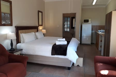 Tourist Lodge Gansbaai - Standard Double Room