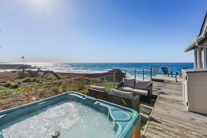 Seaside home w/ magnificent ocean views & cozy wood stove!