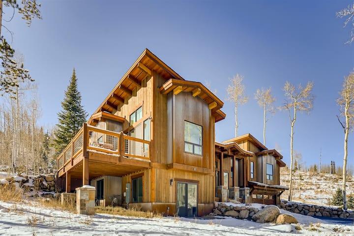 Byers Valley Escape - Luxury Custom Mountain Home Rental