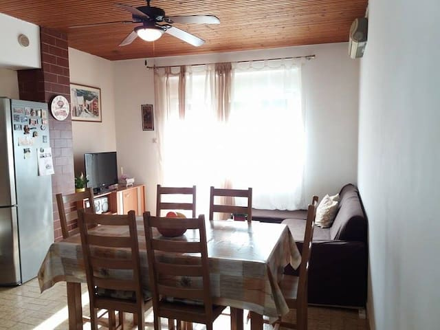 "Apartment ""Toni"" - Zadvarje - Apartment"