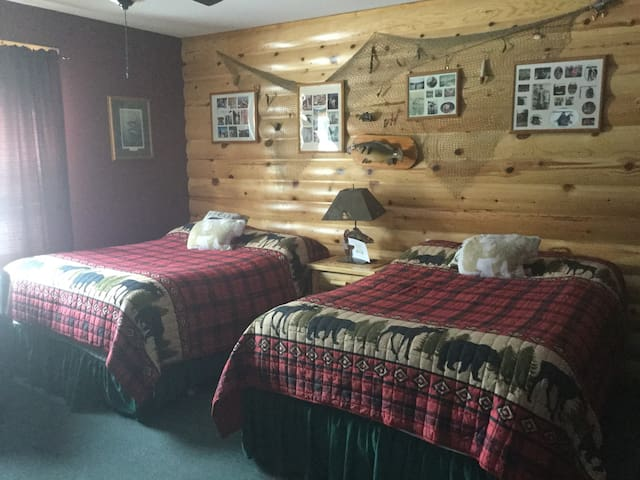 Lakeview Motel 1 Sioux Narrows NF Crow, LOTW