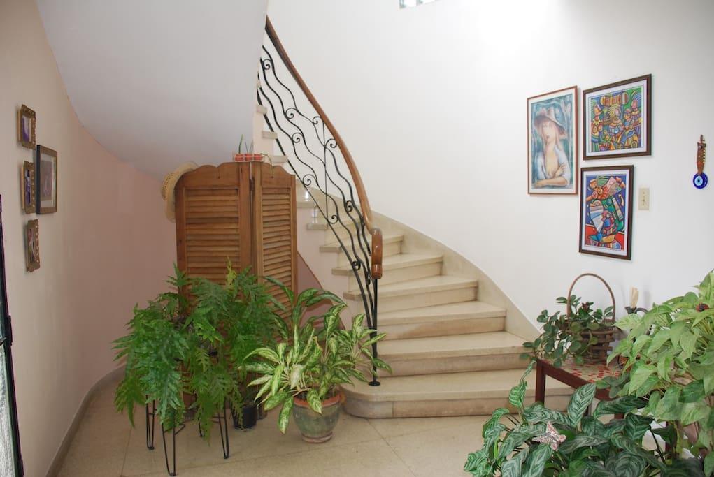 Escaleras hacia los dormitorios