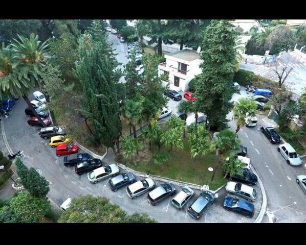 Parking privé dans la résidence