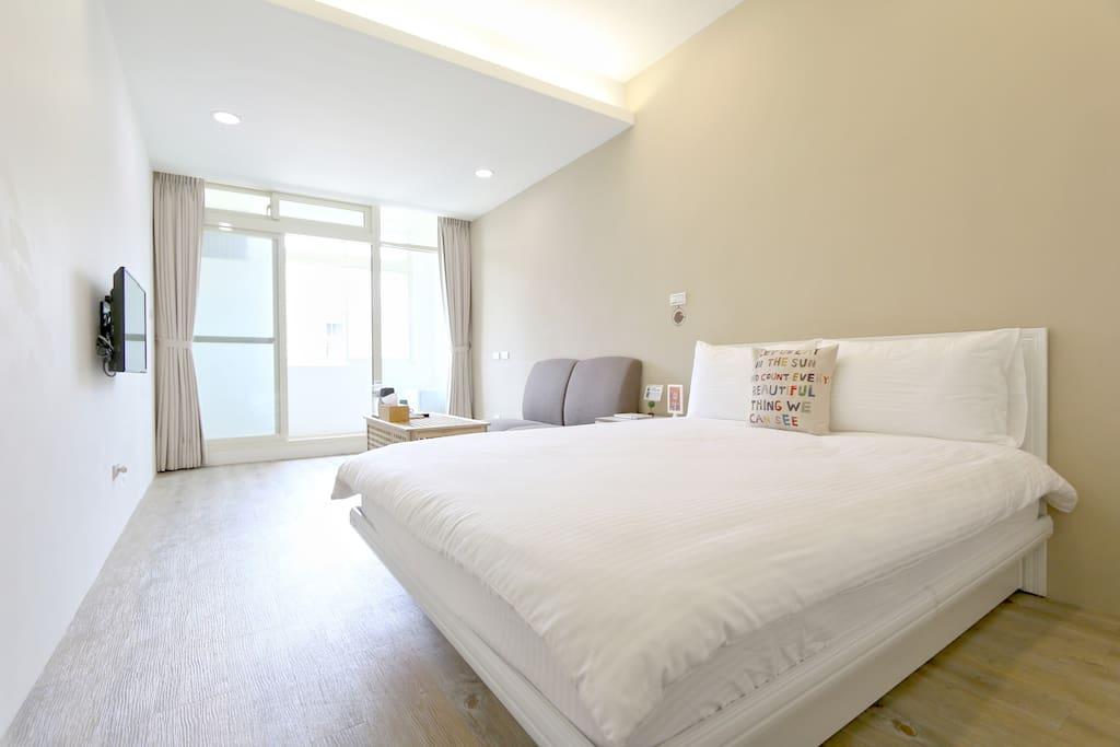 3-C雙人房~整體空間明亮舒適有景觀~看出去視野很好!