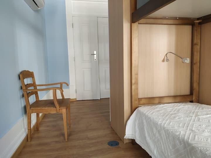 Cama em Dormitório Misto c/ 10 Camas