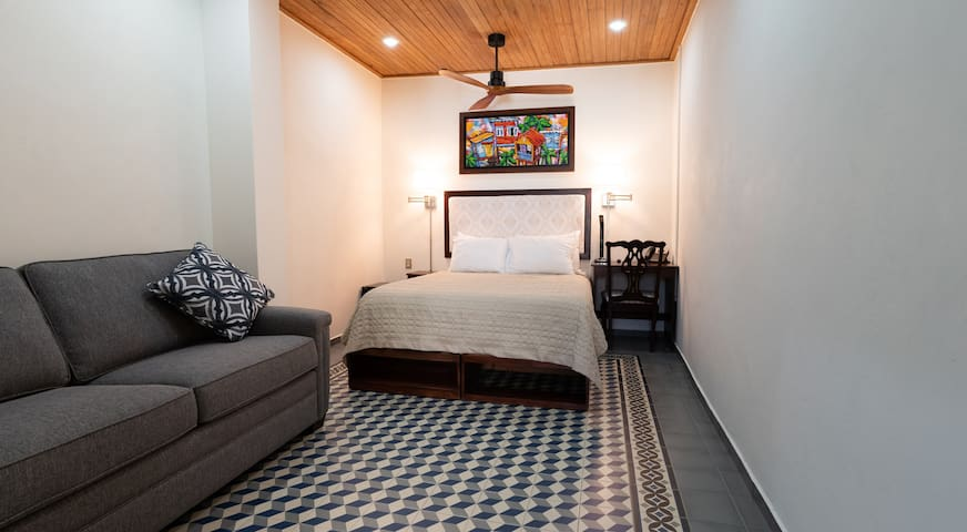 Casa Wilson | Double Room | Queen Bed and Sofa Bed