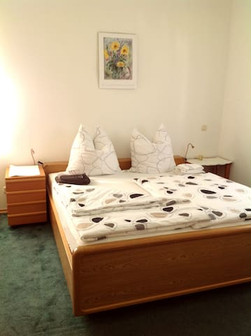 "Large nice room ""Stefanie"" - Olching - Talo"