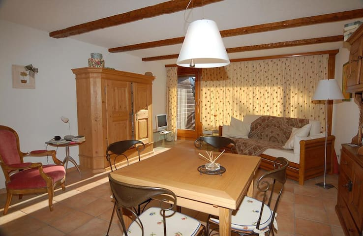 Mondzeu F256; Large studio located in the center of the resort.