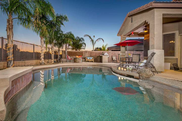 Queen Creek- Home has a pool with splash pad, fire pit & home theater! - Queen Creek - House