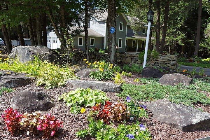 Idyllic House! Close to Bethel Woods and Casino!