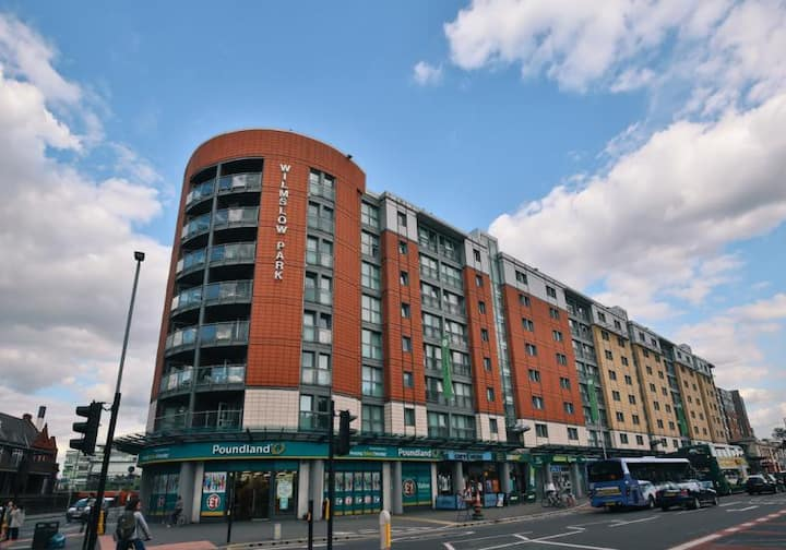Extravagant Silver 2 Bed