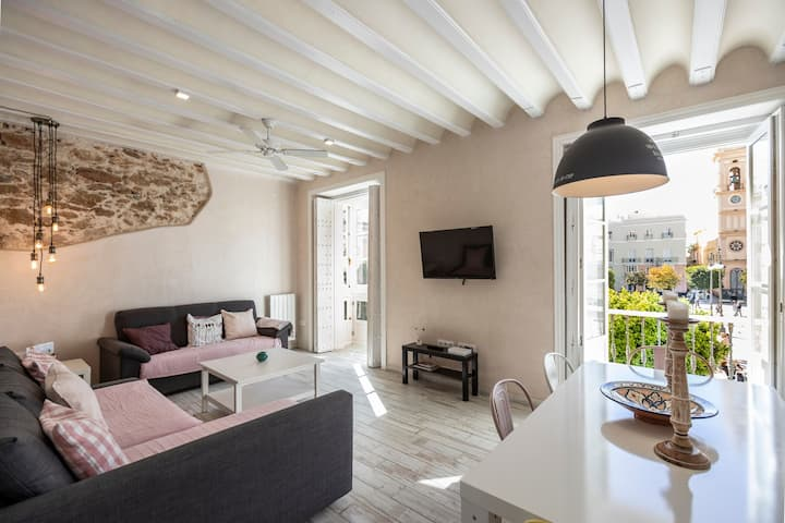 Rustic Apartment in Very Central Location with Balcony, Great Views & Wi-Fi; Paid Parking Available