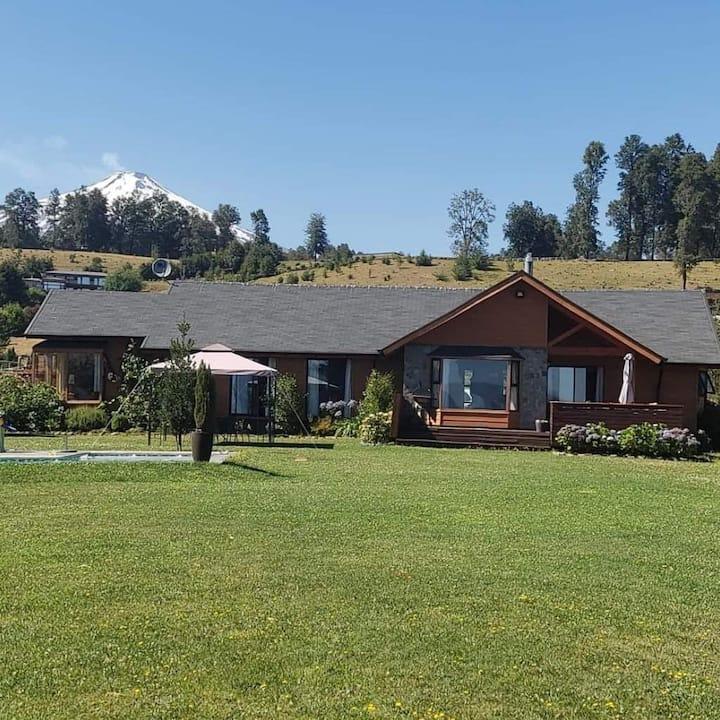 Preciosa Casa en Parcela en Pucon hermoso jardin !
