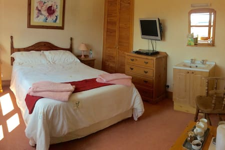 A Double room located in a pictuesque village - Dunnington - House