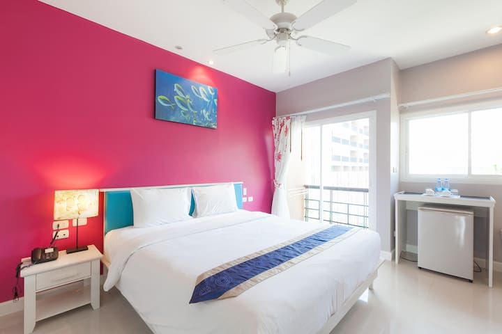 2 Bedroom Family for 4 with Breakfast@Kata Beach;)