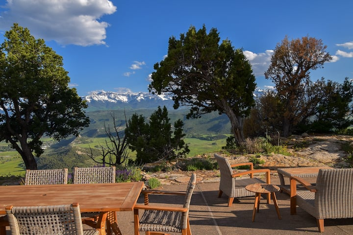 New Listing! Renovated Luxury Home - Spectacular Views - Access to Trails