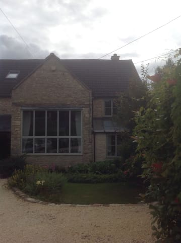 Double room in small Cotswold town - Nailsworth - House