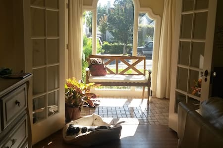 Room - Beautiful Spanish Style Home w/LT discounts - Vallejo - Ház