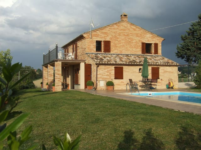 Italian farm house, Private pool - Montegiorgio - Casa