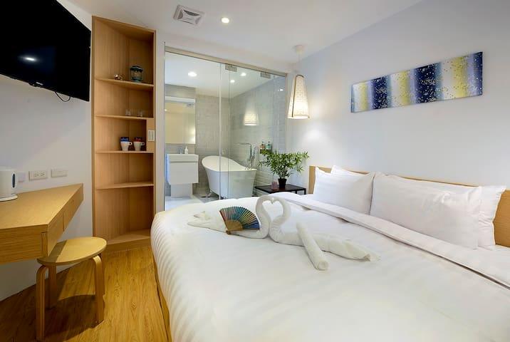 [Shin Sei Bashi Hotel] Double Room with Bath Tube