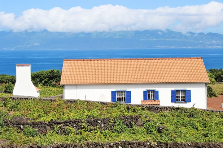 Traditional house with sea views - Ribeirinha - Casa