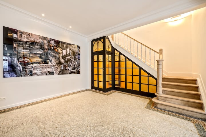 La Cambre: Modern House 6 studios