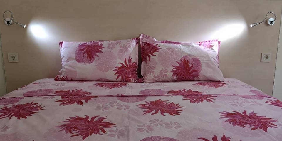 Cosy bedroom with 20sm mattress and 180/200sm size. Extra comfort for your sleep!