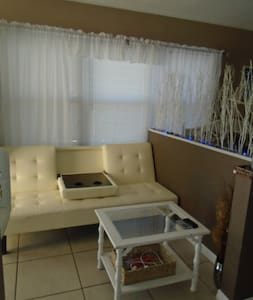 Apt 2 Awesome Studio St Pete Beach! Pets welcome! - Lägenhet