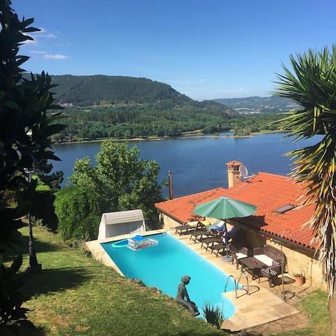 Casa Rural con Piscina y Huerto en Ourense - Troncoso