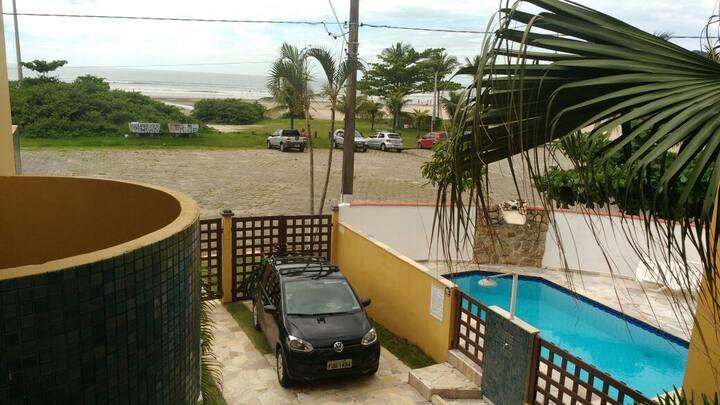 Casa de frente para o mar Bertioga-SP