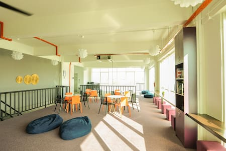 S K Y P O D Boutique Hostel - Twin Pod For 2 Pax - Kota Kinabalu