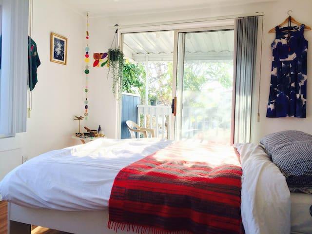Bright & sunny room near the beach! - Los Ángeles