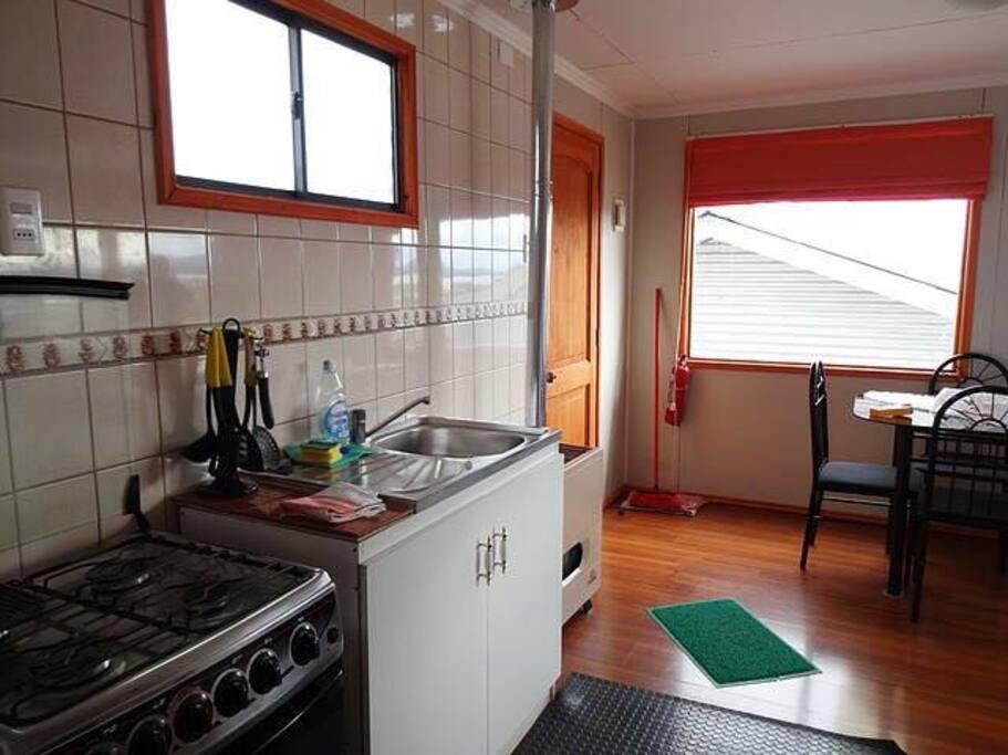 Cocina y comedor/Kitchen & Living room