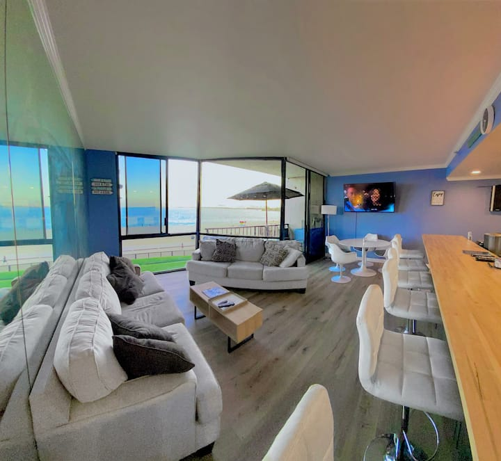 Enjoy sunrises & sunsets from ocean view condo